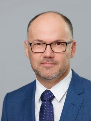 dr. med. László Károlyi